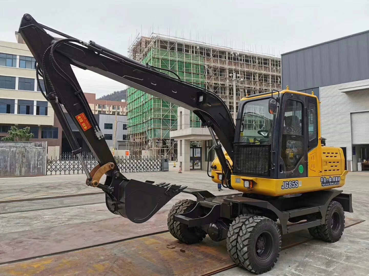 China JingGong 85S wheel automatic and manual drive excavator